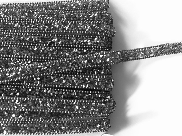 Rhinestone Inspired Bling Trim 1cm wide,  Hot fix Clothing trim, rhinestone Applique 1